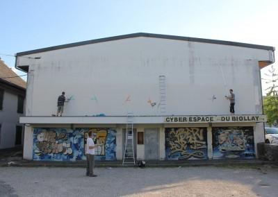 Graffiti Street art    Préparation de la façade avec les membres du collectif de la Maise dans le quartier du Biollay en 2015 à Chambéry