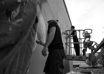 Graffiti Street art    Intervention sur un élevateur devant la façade avec les membres du collectif de la Maise dans le quartier du Biollay en 2015 à Chambéry