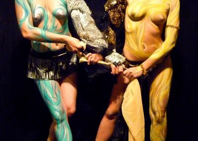 Body painting Graffiti   Lilou et Sophie H en 2011 à Cannes (06)