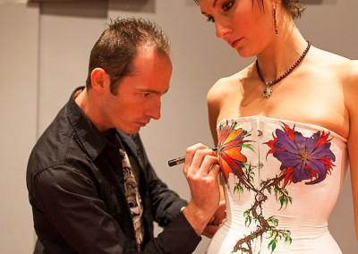 Body painting Graffiti     Zert in action  Modèle Claire Bmode en 2011 à Grasse (06)