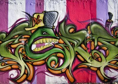 Graffiti Street art    Zert  en 2009 à Carros (06)