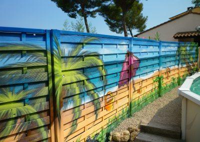 Graffiti Street Art    Décoration extérieur sur une façade en bois à Mougins (06 ) en 2010