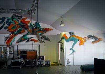 Graffiti Street Art    Décoration intérieur sur une façade en bois ( Lettrage 3D Zert )  participation pour le congrès Tax free sur la croisette à Cannes (06 ) en 2010