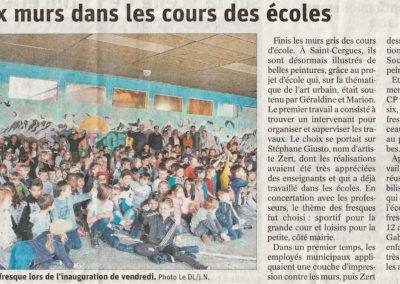 Article de presses Fresque murale sport et montagne, initiation avec les élèves du CP au CM2 sous le préau de l'école à Saint Cergues en Haute-Savoie (74) Graffiti Street art 2019