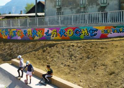 Fresque murale du Skatepark avec la participation des jeunes du centre de jeunesse de la Roche sur Foron (74) Graffiti Street art 2019